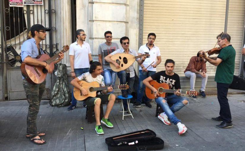 Kentin Yeni Sesleri: İstanbul'daki Suriyeli SokakMüzisyenleri